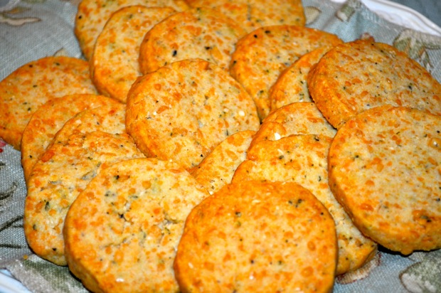 Barefoot Contessa's Parmesan & Thyme Crackers Andrea Reiser